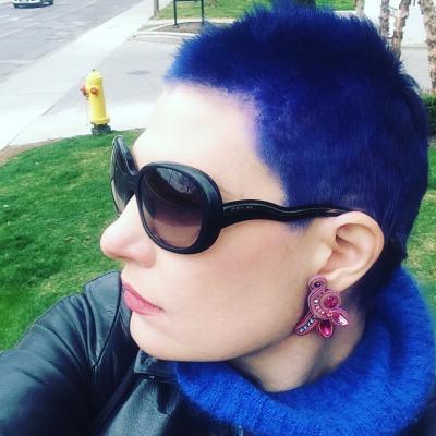 profile_caroline-blue.20210513142147.jpg